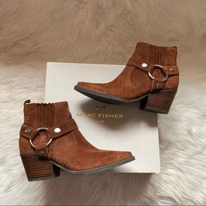 New MARC FISHER Halie Suede Harness Western Boots